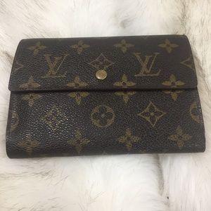 💯 Louis Vuitton long snap wallet w/ visa  insert